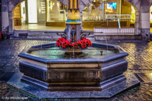 Zähringer Fountain at Rain, Kramgasse - Berne by Night
