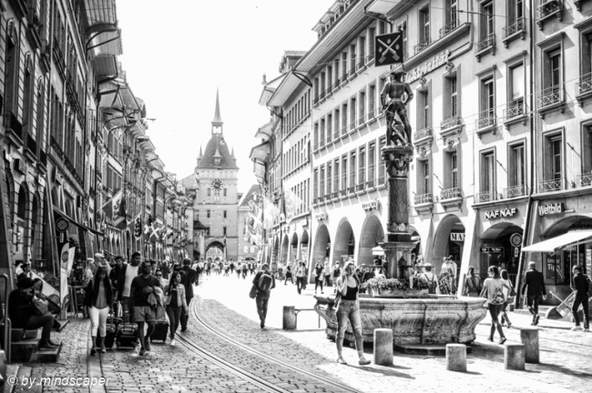 Rush Jour in Marktgasse - Berne in Black & White