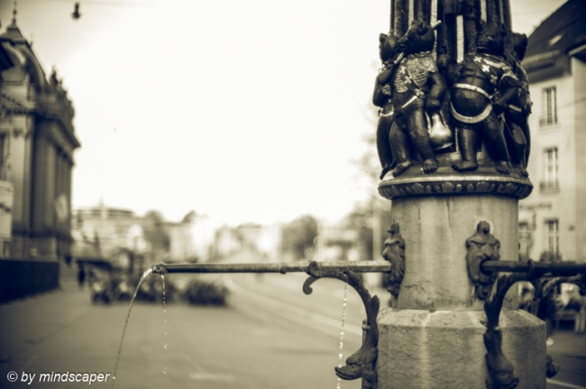 Chindlifresserbrunnen Pipe - Berne in Black & White