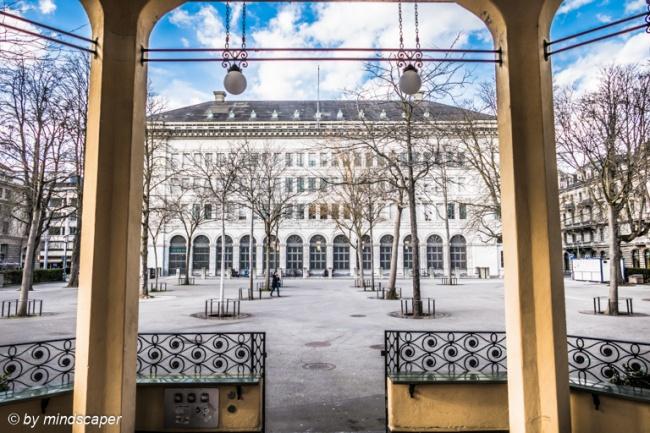 Musikpavillon Bürkliplatz mit Schweizerischer Nationalbank - Zürich