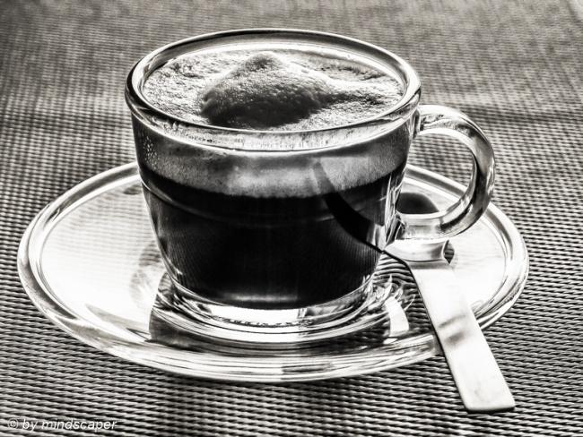 Espresso Macchiato in Tazza di Vetro