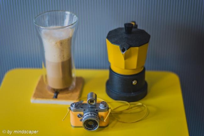 Latte Macchiato & Cafferiera e Camara in Yellow