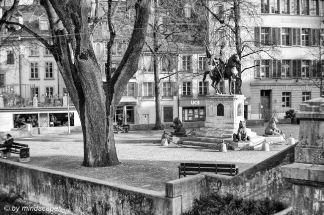 Ringgenberg Park with Erlach Monument - Berne in Black & White