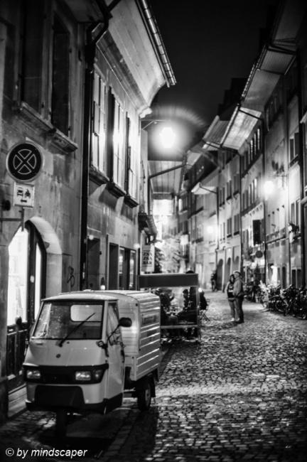 Un Pò d'Italianita di Notte in Brunngasse - Berna in Bianca e N
