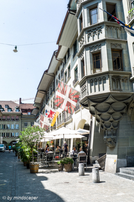 Summertime & Lunchtime in Münstergasse