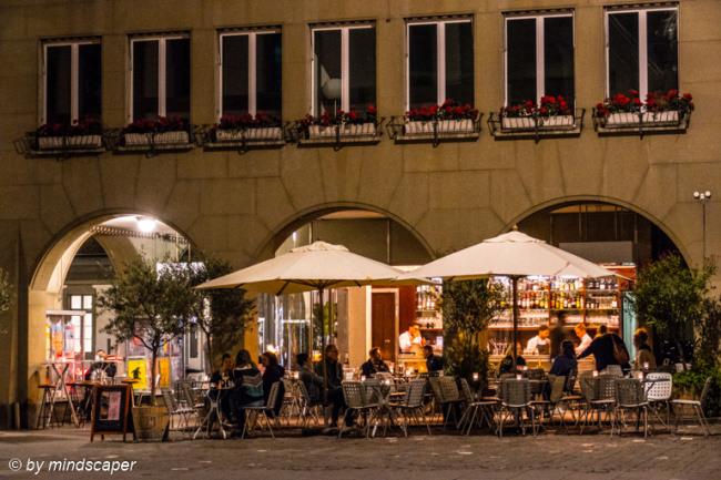 Il Asino Bar by Night