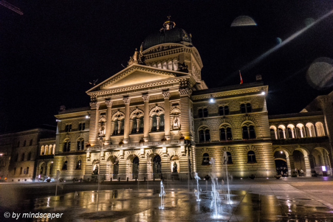 Bundeshaus-with Waterplay by Night