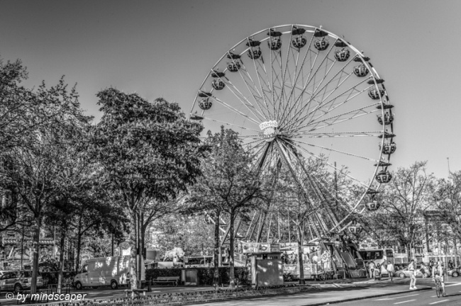 Ferris Wheel at Bürkliplatz - Zurich in Black & White